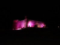Día Mundial contra el Cáncer de Mama en el Castillo de San Gabriel, (5)